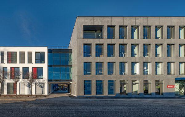 Umbau Bestandsgebäude Fa. Pfeiffer Bauges.m.b.H., Rosenheim, 2020.